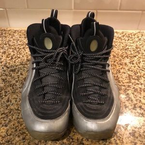 Nike half cent size 9.5